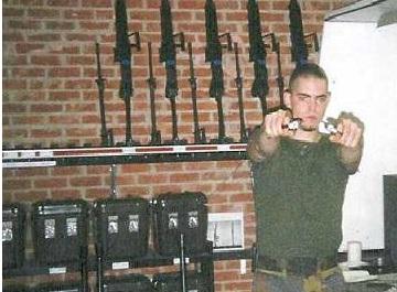 Neonazi's krijgen wapens terug