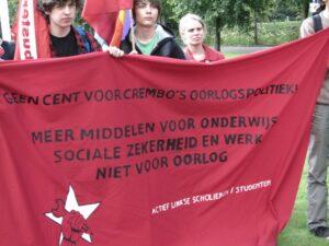 Op 18 september 2010 betoogden de Actief Linkse Studenten in Aalter. Ze trokken naar het 'Cremlin' (het gemeentehuis) om de oorlogspolitiek van De Crem aan te klagen