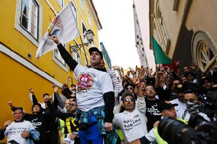 Dokwerkers halen overwinningen in Portugal en Chili