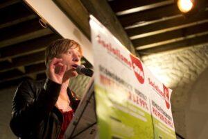 Anja Deschoemacker, woordvoerder van Gauches Communes en lijsttrekker voor de Kamer in Brussel