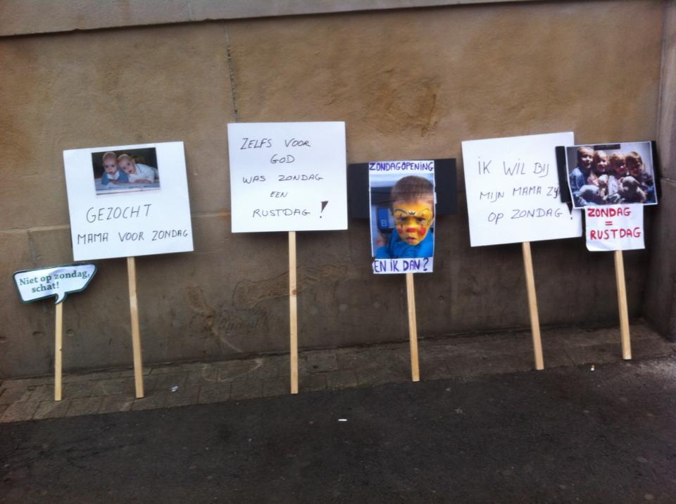 Protest tegen zondagopeningen in Antwerpen