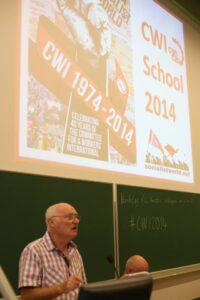 De discussie werd ingeleid door Peter Taaffe van het Internationaal Secretariaat van het CWI. Foto: PPICS