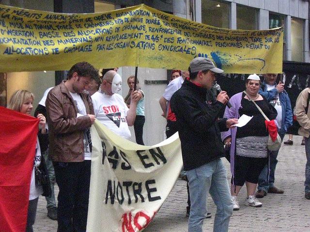 Luik. Actie tegen besparingsbeleid voor het kantoor van de MR