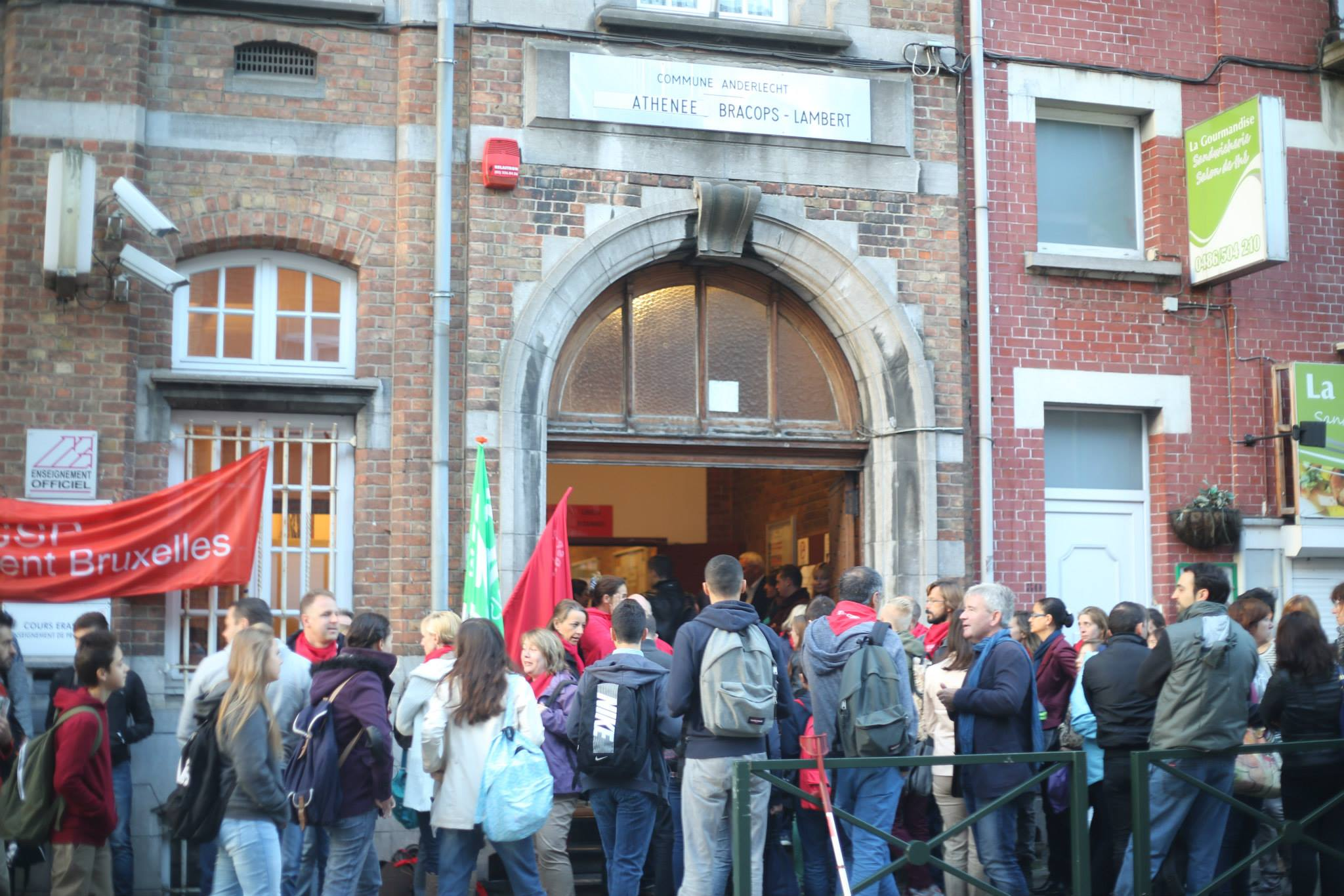 Tot 50 leerlingen in de klas. Staking in atheneum Bracops-Lambert in Anderlecht