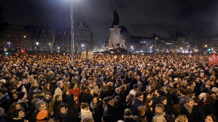 Frankrijk. Terroristische dreiging beantwoorden met eenheidvan onderuit