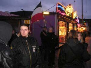 NSV'ers met hun vlag voor een betoging van een paar jaar terug