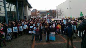 Protest tegen waterbelasting en arrestaties afgelopen zaterdag in Tallaght, zuid-Dublin. Inmiddels raakte bekend dat er ook vandaag opnieuw arrestaties zijn verricht...