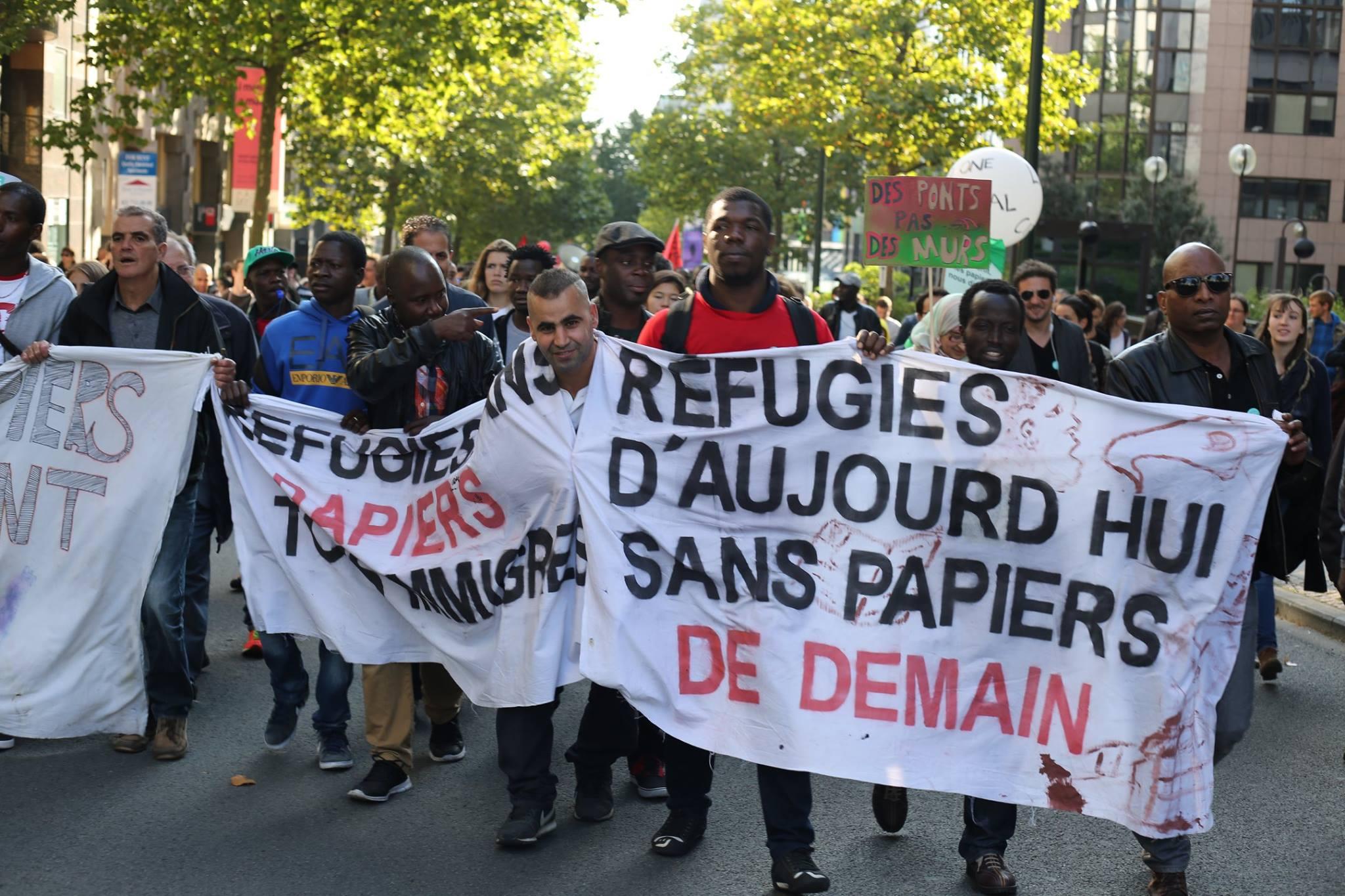 Fotoreportage vanop betoging 'Refugees welcome'