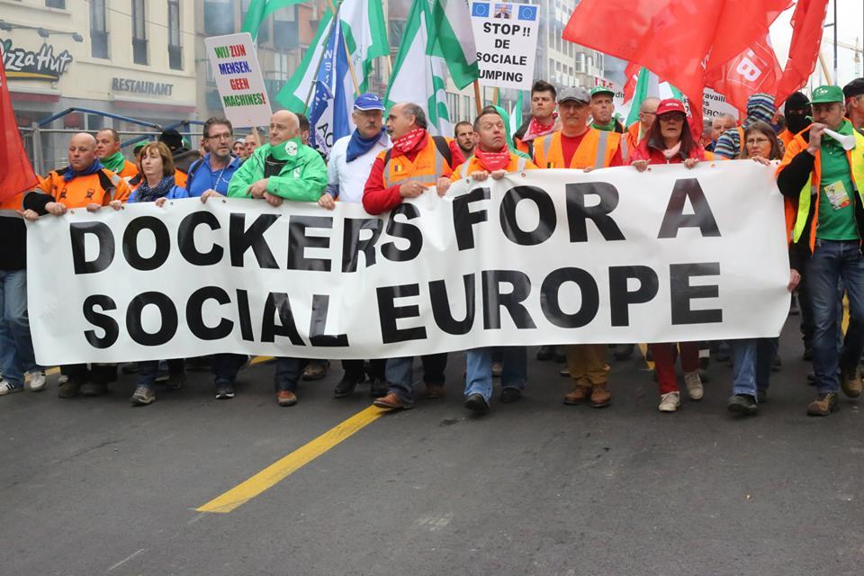 Hoe het establishment Europa gebruikt om het statuut van dokwerkers te kelderen
