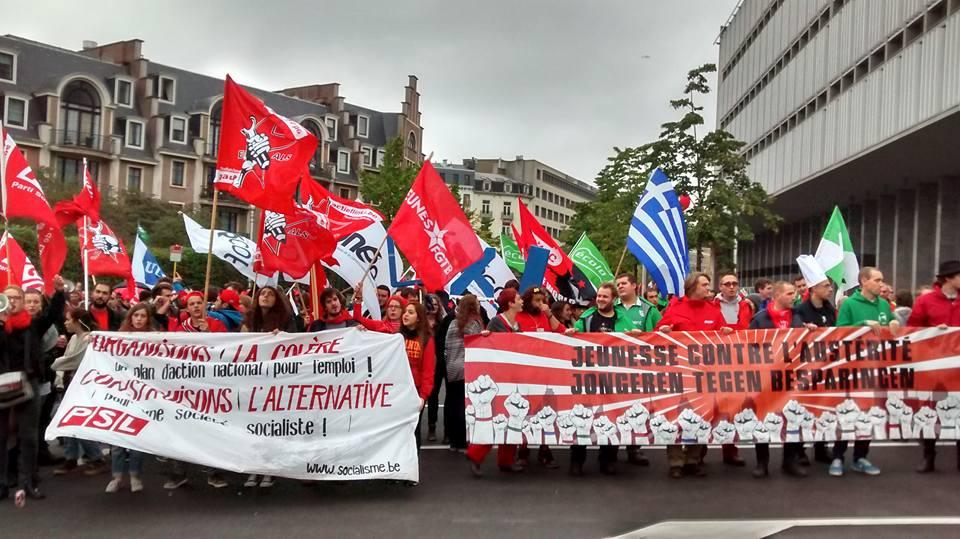 7/10. Sterke jongerendelegatie op massale betoging: foto's