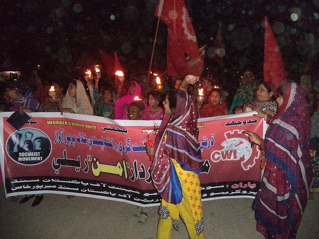 Pakistan. Religieus extremisme, militaire operaties en toegenomen intolerantie