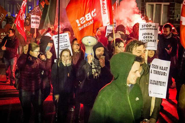 Stop de criminalisering van vluchtelingen, stop racistisch geweld!