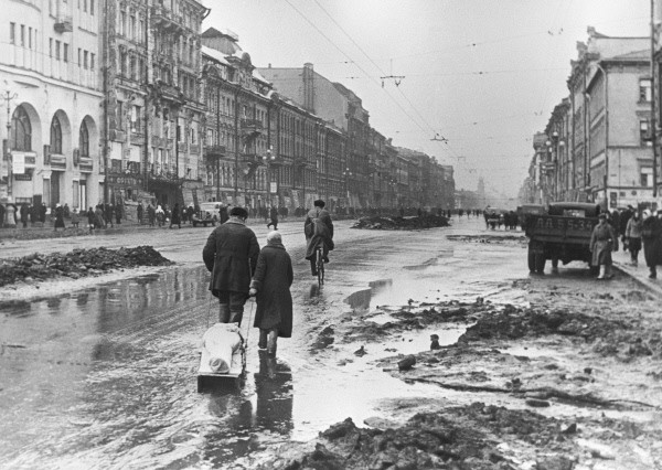 Leningrad, stad van helden. Over de 900 dagen belegering tijdens Wereldoorlog Twee