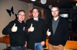 Rob Verreycken (rechts) in gezelschap van neonazi Chris Berteryan en een vertegenwoordiger van het Griekse Gouden Dageraad.