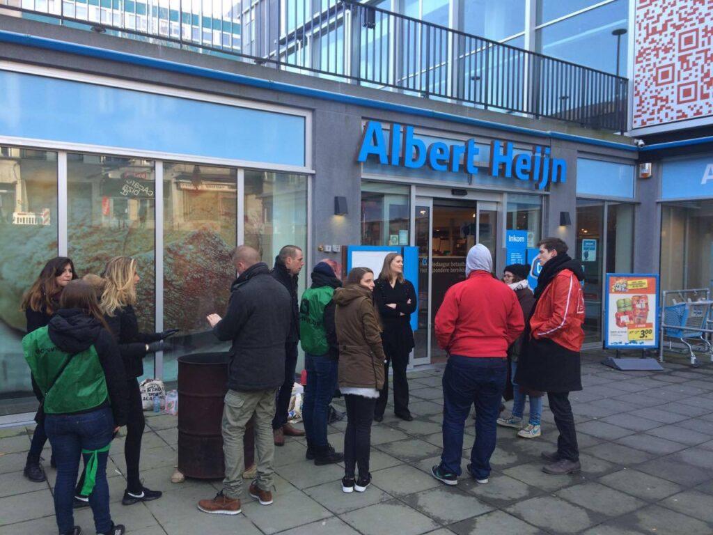 Aan de Albert Heijn in Gent.