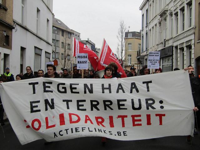 Solidair tegen haat en terreur, tegen oorlog, racisme en seksisme
