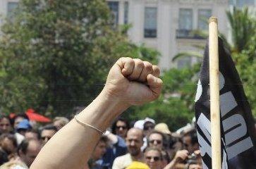 Griekenland. Sterke algemene staking tegen aanvallen op pensioenen