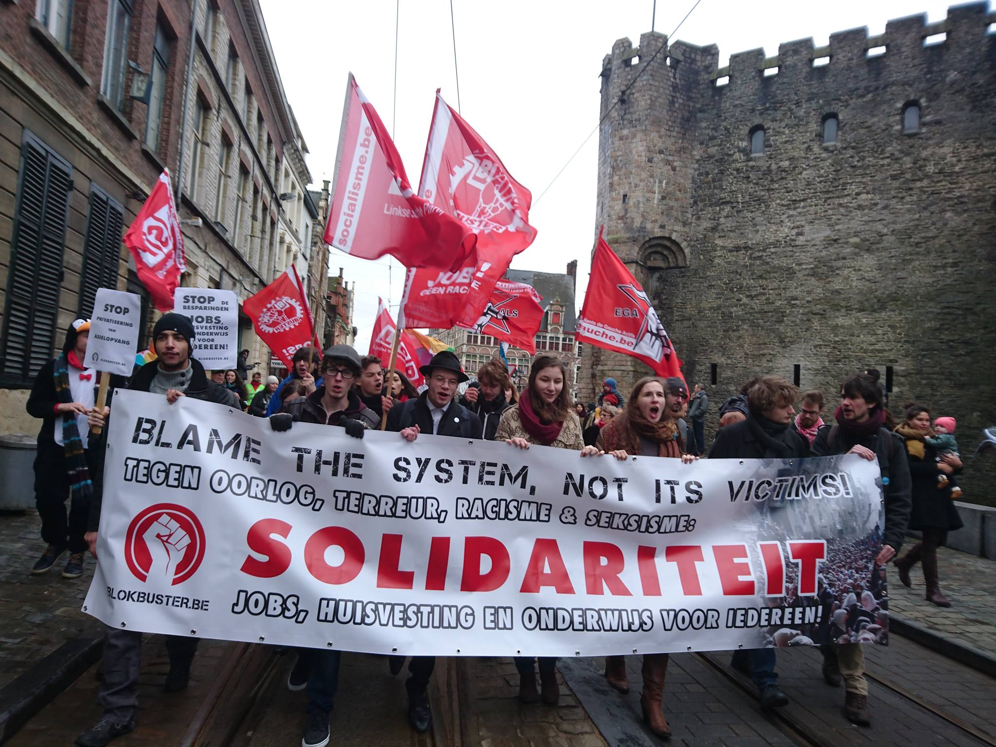 Ruim 1.000 betogers tegen extreemrechtse haat in Gent