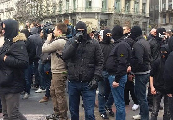 Hoe extreemrechts solidariteitswake kon verstoren onder politiebegeleiding