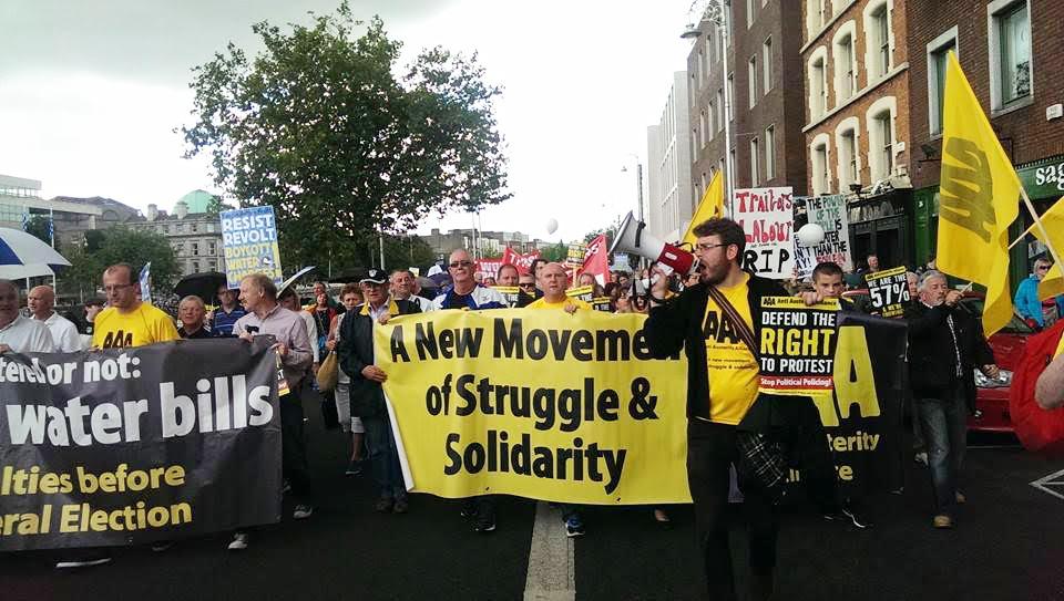 Ierland. Massale afkeer tegen gevestigde partijen, dreiging van politieke crisis