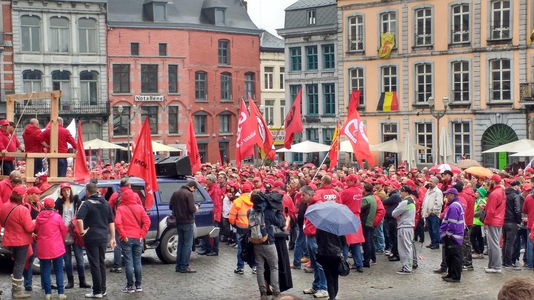 Staking van werknemers bij de openbare diensten: Bergen