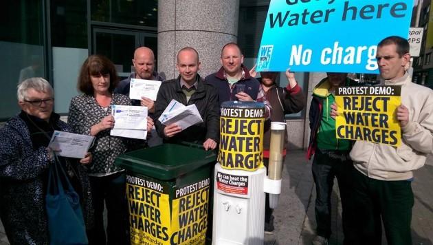 Gezocht en gevonden: Ierse (interim) regering. Gehate watertaks geschorst
