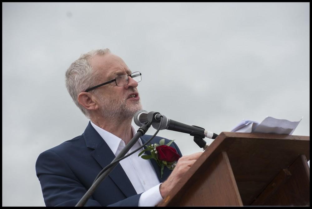 Jeremy Corbyn werd als een held onthaald door de 100.000 aanwezigen op het Durham Miners' Gala. Foto: Paul Mattson