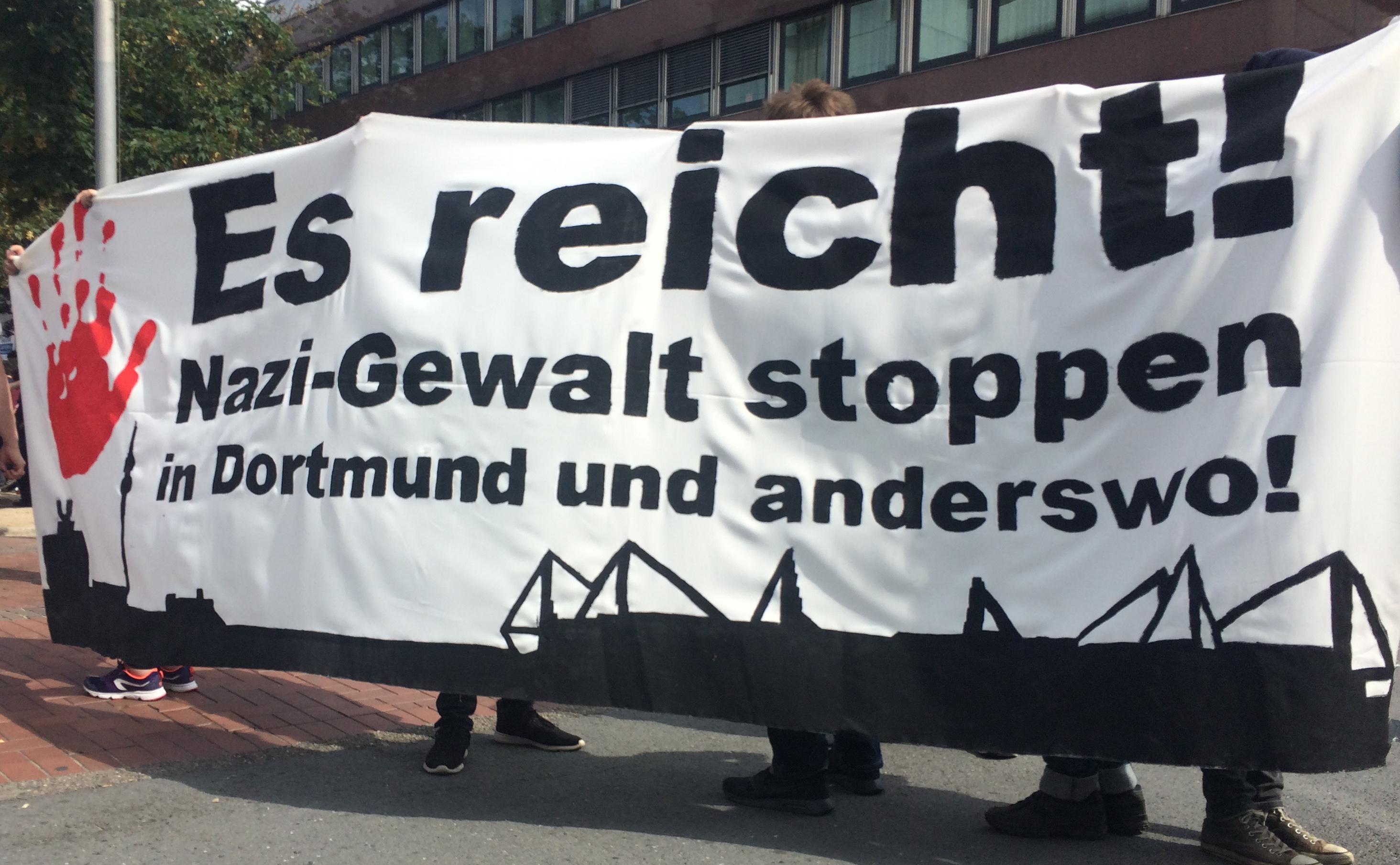 Eerste protest na aanslag op antifascist in Dortmund: 800 betogers