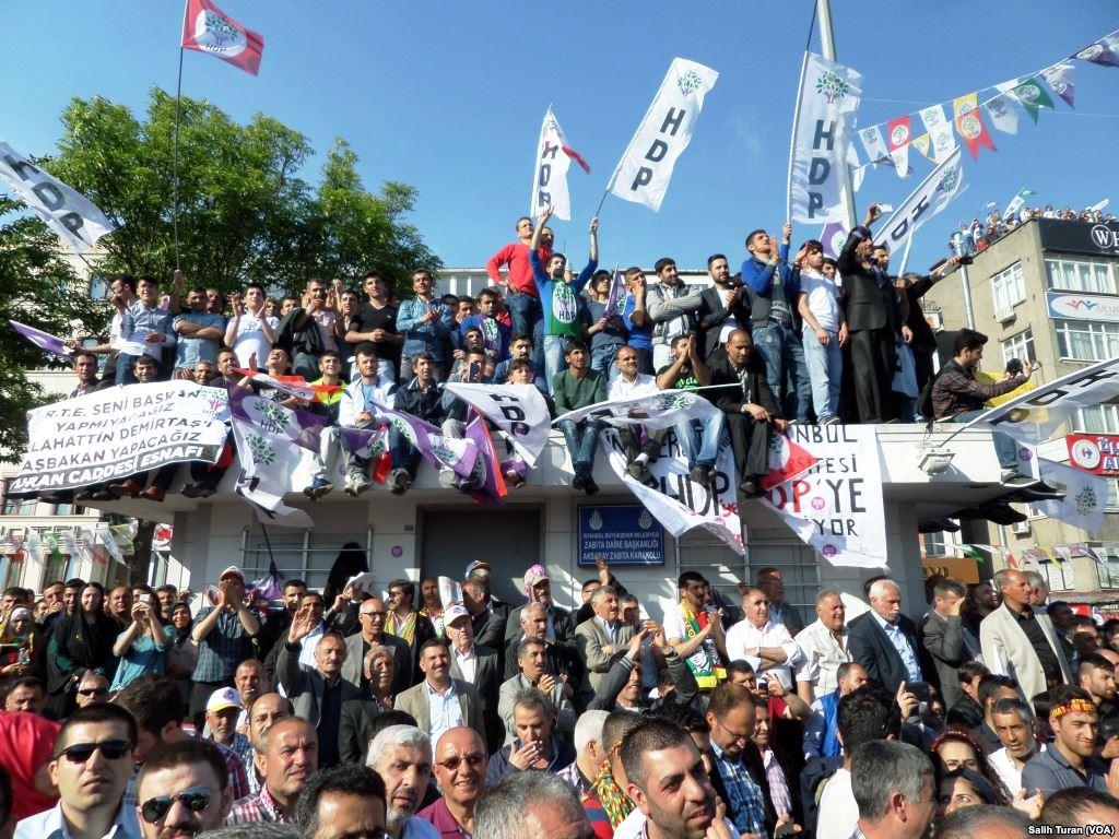 Steun het protest tegen de arrestatie van de HDP-leiders in Turkije