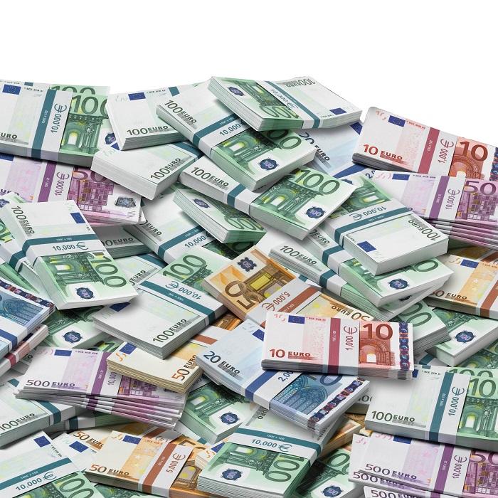 513 miljard dollar dividenden uitgedeeld. En wij moeten besparen?!
