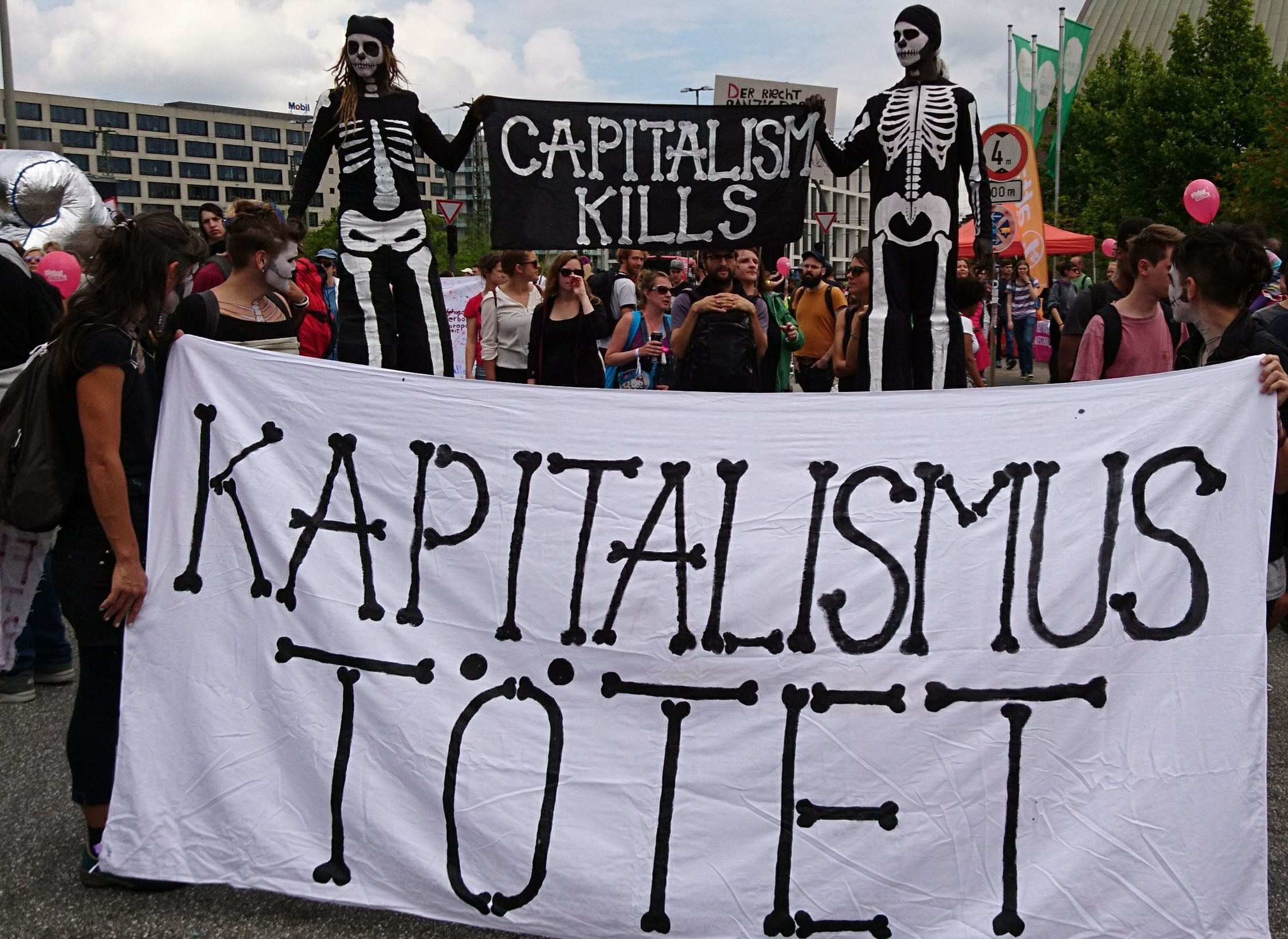 76.000 betogers tegen de G20. Repressie kan massaal karakter protest niet stoppen