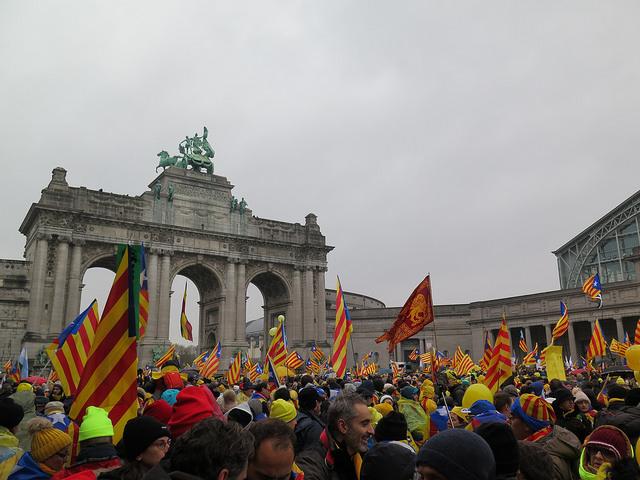 Massale revolte tegen nationale en sociale onderdrukking in Catalonië