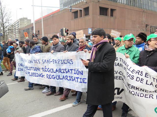 Stop de criminalisering van solidariteit!