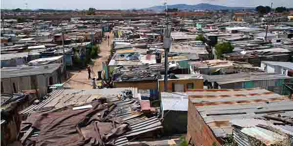 Ongelijkheid leidt tot geweld in Zuid-Afrika. Extreemrechts heeft enkel oog voor blanke slachtoffers