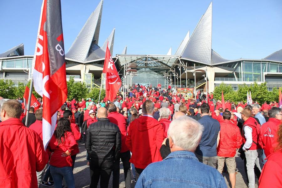 Protestactie aan Antwerpse rechtbank: handen af van het stakingsrecht!