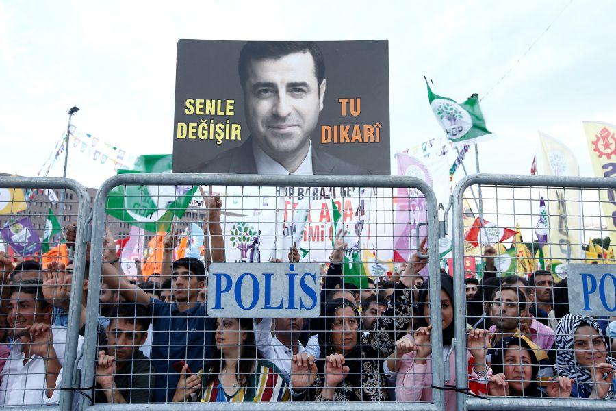 Turkije: tegen Erdoğan en zijn systeem, stem voor Demirtaş en de HDP!