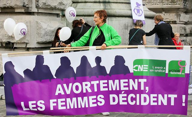 Bisschoppen tegen nieuw abortusvoorstel. Een socialistisch feministisch antwoord