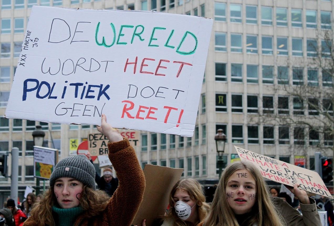 De Wever (Bart) in het defensief rond klimaat en koopkracht
