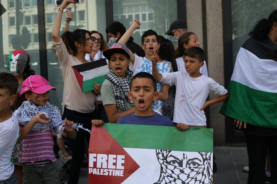 Antisemitisme en elke vorm van discriminatie bestrijden door eenheid van onze klasse