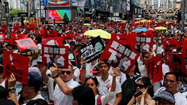 1 miljoen betogers tegen uitleveringswet in Hongkong!