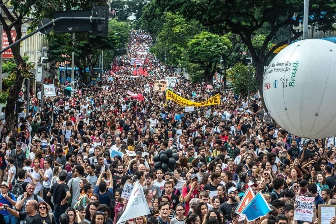 Brazilië: het onderwijs gaat strijd tegen Bolsonaro aan