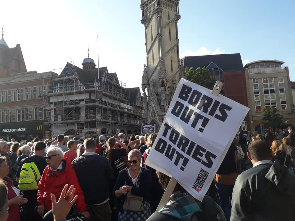 Groot-Brittannië. Parlement geschorst – strijd voor nieuwe verkiezingen nodig!