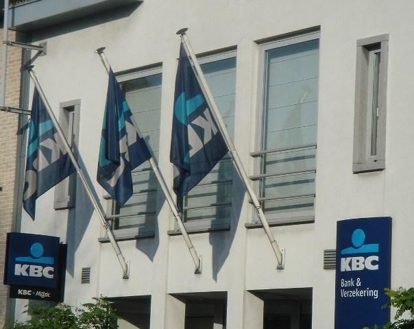 KBC: 2,5 miljard euro winst en toch 1400 jobs weg