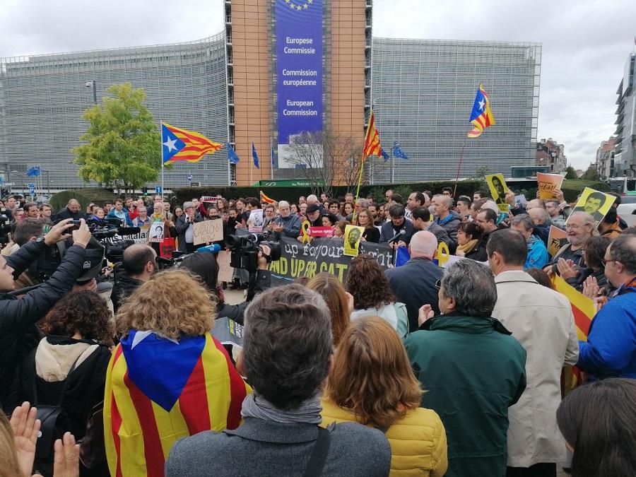 Ook in Brussel solidariteit met de massabeweging in Catalonië