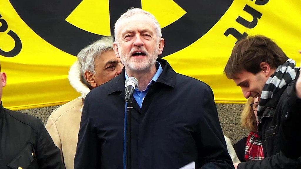 Vervroegde Britse verkiezingen. Met socialistisch programma kan Corbyn winnen