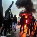 Iran tussen oorlog en opstand