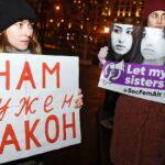 Overwinning: Russische zusters die hun vader vermoordden om te overleven vrijgesproken